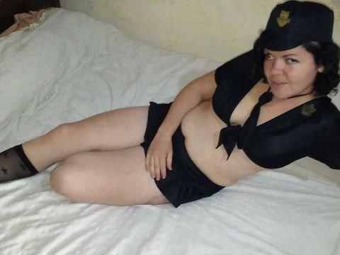 Laila Hot